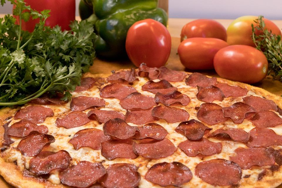 thin pepperoni pizza